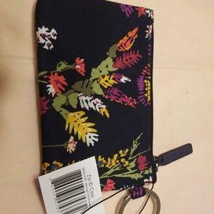 Vera Bradley Accessories - ❤Midnight Wildflower Zip ID Case